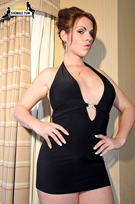 t sarah von d postop 01 Post Op Transsexual Sarah Von D Spreads On Shemale Yum!