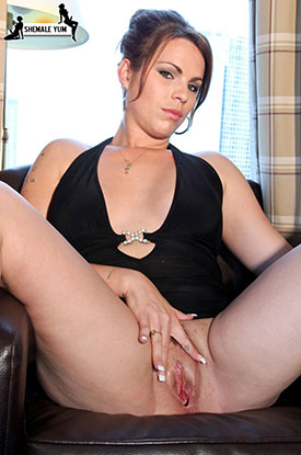 t sarah von d postop 02 Post Op Transsexual Sarah Von D Spreads On Shemale Yum!
