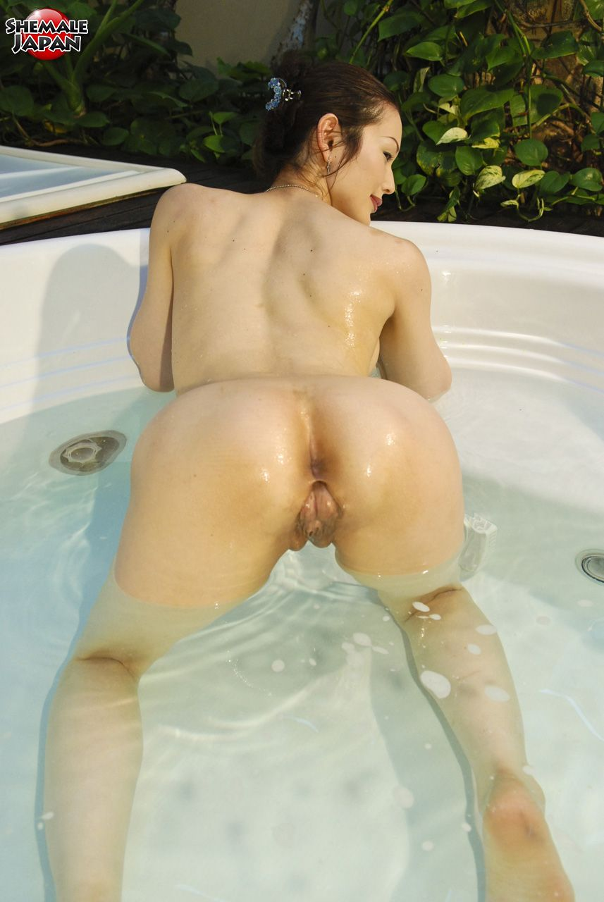 indian beauty nude pissing
